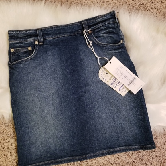 Closed Dresses & Skirts - NWT CLOSED ITALY CROPPED RAY DENIM SKIRT 25